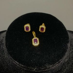 Authentic 18K Yellow Gold Earrings and Pendant Set